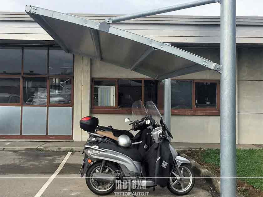tettoia per moto