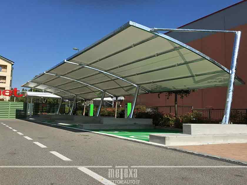 tettoia copriauto parcheggi commerciali